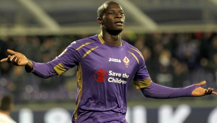 FLORENCE, ITALY - OCTOBER 29: Khouma Babacar of ACF Fiorentina celebrates after scoring his second goal during the Serie A match between ACF Fiorentina and Udinese Calcio at Stadio Artemio Franchi on October 29, 2014 in Florence, Italy.  (Photo by Gabriele Maltinti/Getty Images)